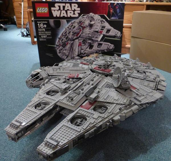 Lego star wars millenium falcon in neunburg