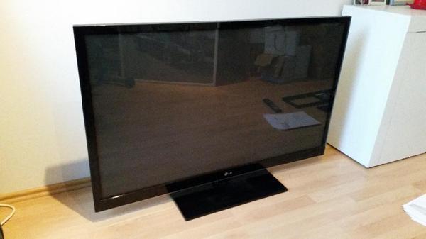 LG 50 Zoll Plasma 3D TV FullHD + 2x 3D Brille  -> Tv Lowboard Quoka Mannheim