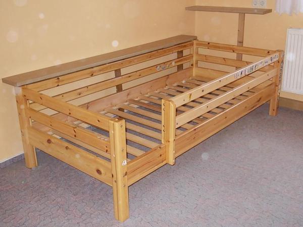 massivholz kinderbett gebraucht in pappenheim betten. Black Bedroom Furniture Sets. Home Design Ideas