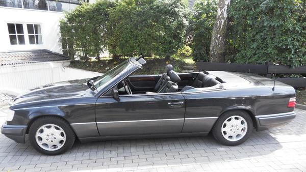 mercedes e220 cabrio wurzelholz leder windschott mittelarmlehne t v 6 2018 gang schaltung 14900. Black Bedroom Furniture Sets. Home Design Ideas