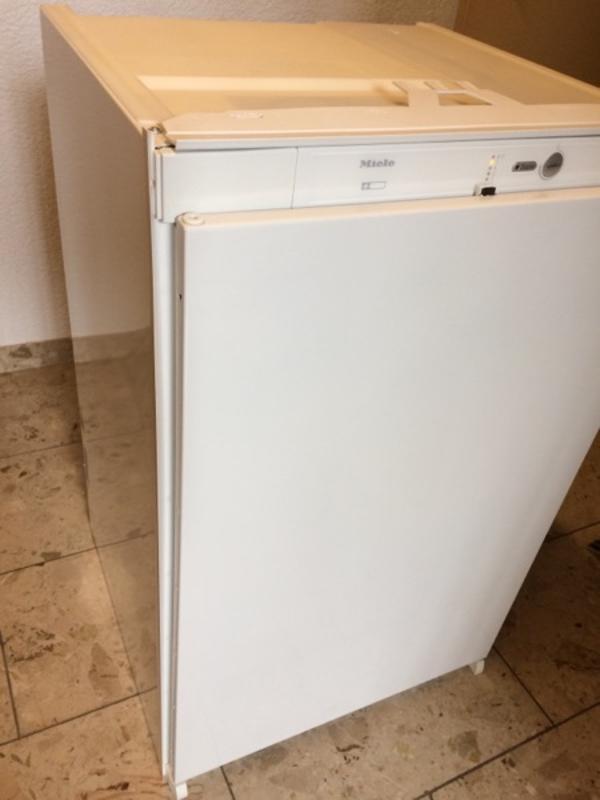 Miele Einbaukühlschrank K9212i NEUWERTIG in Altensteig