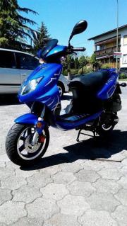 Moped / Roller