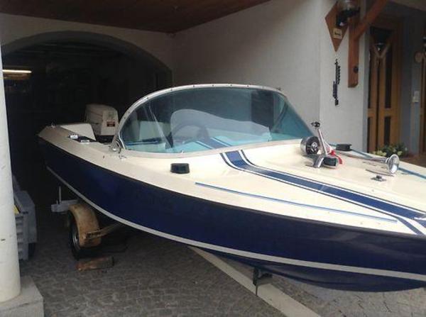 motorboot mit trailer in markkleeberg motorboote kaufen. Black Bedroom Furniture Sets. Home Design Ideas