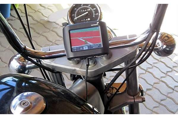 motorrad navi tomtom mit europa in berlin. Black Bedroom Furniture Sets. Home Design Ideas