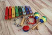 Musikinstrumente Xylophone, Maracas,