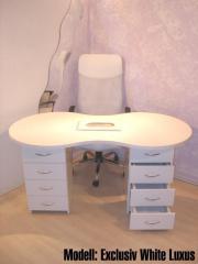 manikuertisch wellness gesundheit angebote zum. Black Bedroom Furniture Sets. Home Design Ideas
