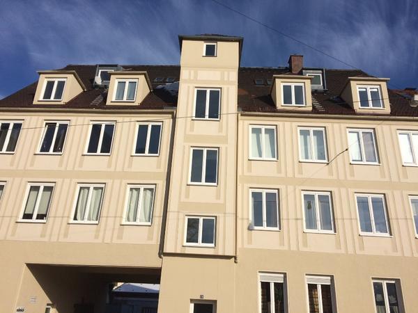 nette sehr kleine 1 zimmerwohnung in der innenstadt in augsburg vermietung 1 zimmer wohnungen. Black Bedroom Furniture Sets. Home Design Ideas