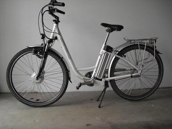 neuwertiges damen e bike in balingen damen fahrr der. Black Bedroom Furniture Sets. Home Design Ideas