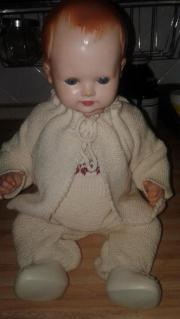 Omas alte Puppe