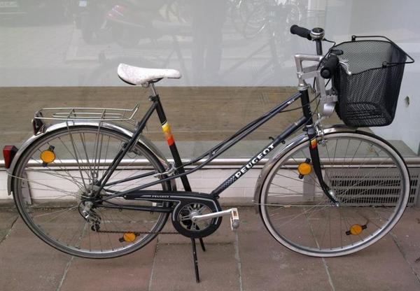 peugeot nice damenrad fahrrad mit korb rh 57cm in m nchen damen fahrr der kaufen und verkaufen. Black Bedroom Furniture Sets. Home Design Ideas