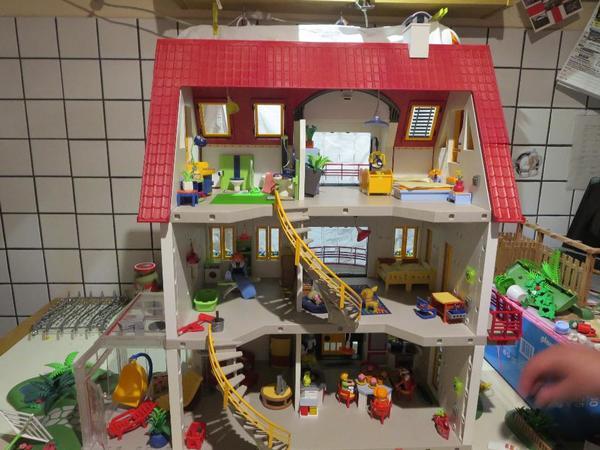 Playmobil gro es wohnhaus haus 4279 mit vollst ndiger einrichtung in m nchen spielzeug - Playmobil haus schlafzimmer ...