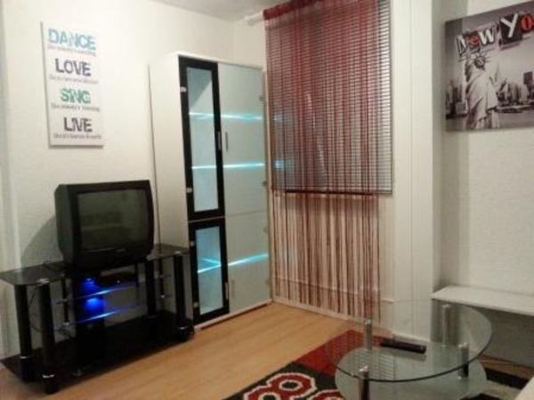 ready to use mehrere voll m blierte und ausgestattete. Black Bedroom Furniture Sets. Home Design Ideas
