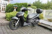 Roller Suzuki Sixteen