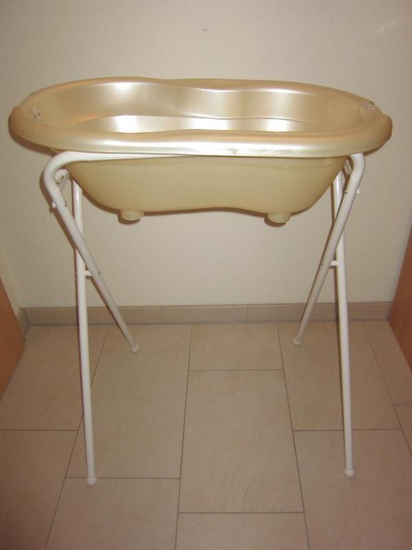 rotho baby badewanne mit gestell in obersulm baby und kinderartikel kaufen und verkaufen ber. Black Bedroom Furniture Sets. Home Design Ideas