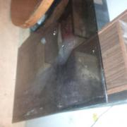 Runder Holztisch ohne
