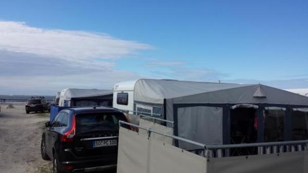 saisoncamping bensersiel verkaufen wohnwagen vorzelt stabil m boden windschutz uvm in. Black Bedroom Furniture Sets. Home Design Ideas