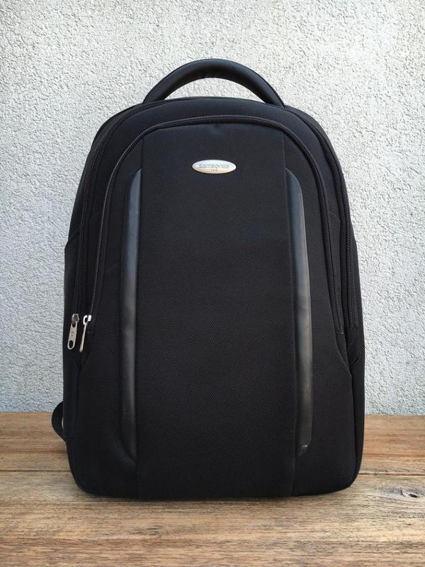 laptop rucksack schwarz kaufen gebraucht und g nstig. Black Bedroom Furniture Sets. Home Design Ideas