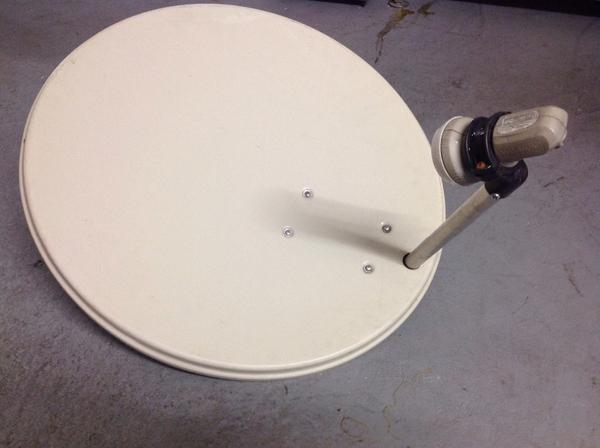 sat sch ssel mit single lnb in durmersheim antenne sat receiver kaufen und verkaufen ber. Black Bedroom Furniture Sets. Home Design Ideas