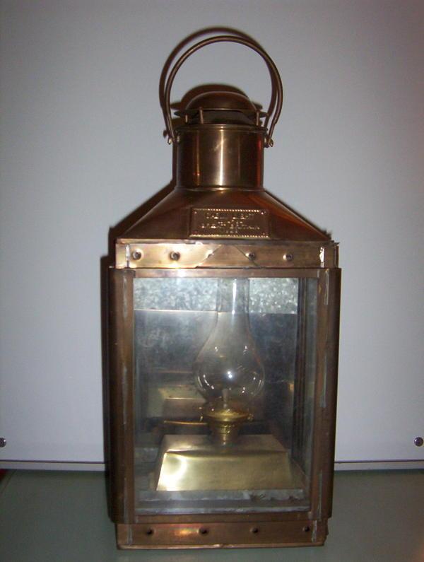 schiffslampe messing in wiesenbach lampen kaufen und verkaufen ber private kleinanzeigen. Black Bedroom Furniture Sets. Home Design Ideas
