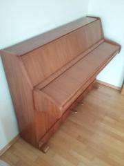 Schimmel Klavier sehr