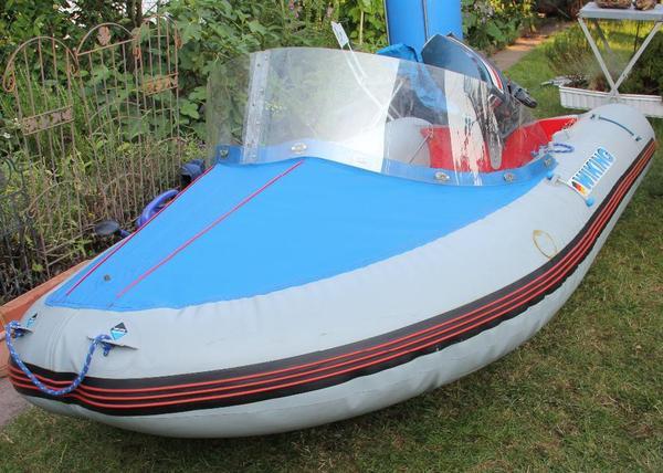 schlauchboot wiking minor mit 12 ps jamaha au enbordmotor. Black Bedroom Furniture Sets. Home Design Ideas