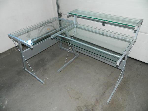 sch ner schreibtisch mit glasplatten 2 teilig variabel stellbar top zustand in lustenau. Black Bedroom Furniture Sets. Home Design Ideas