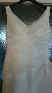 Schönes ungetragenes Brautkleid