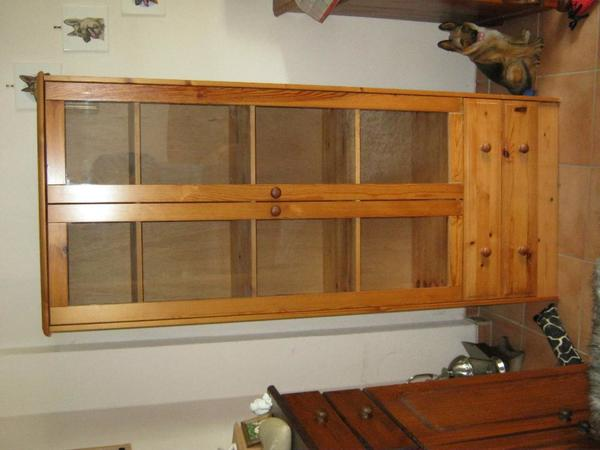 vitrine kiefer kaufen gebraucht und g nstig. Black Bedroom Furniture Sets. Home Design Ideas