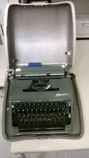 Schreibmaschine in tadellosem