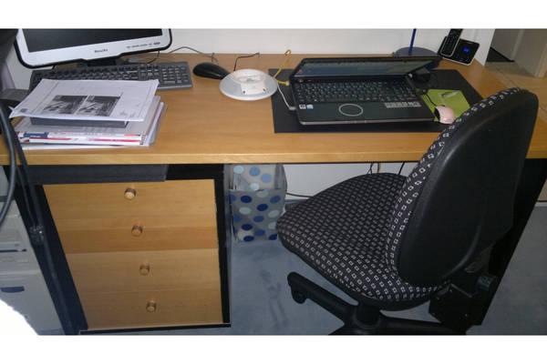 Schreibtisch container sehr g nstig zu verkaufen in for Schreibtisch quoka
