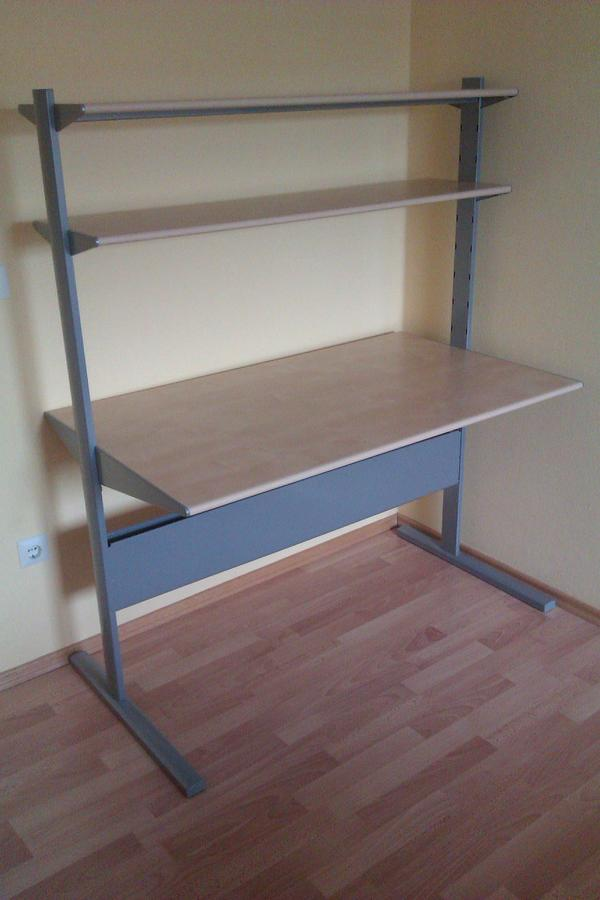 schreibtisch fredrik von ikea in ludwigshafen ikea m bel. Black Bedroom Furniture Sets. Home Design Ideas