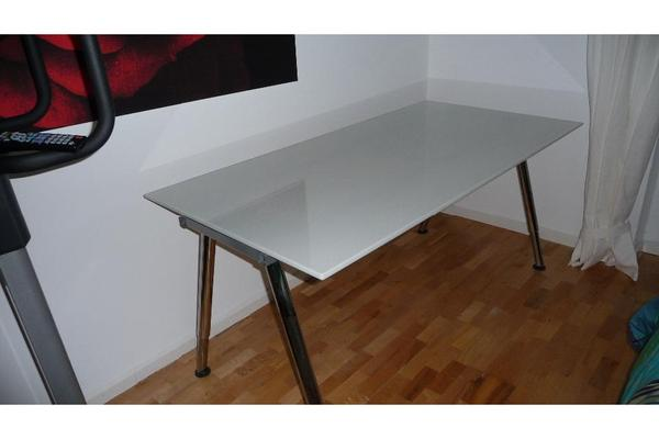 schreibtisch milchglas chromf e h henverstellbar in. Black Bedroom Furniture Sets. Home Design Ideas