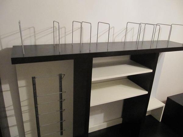 schreibtisch mit aufsatz von ikea in m nchen ikea m bel kaufen und verkaufen ber private. Black Bedroom Furniture Sets. Home Design Ideas