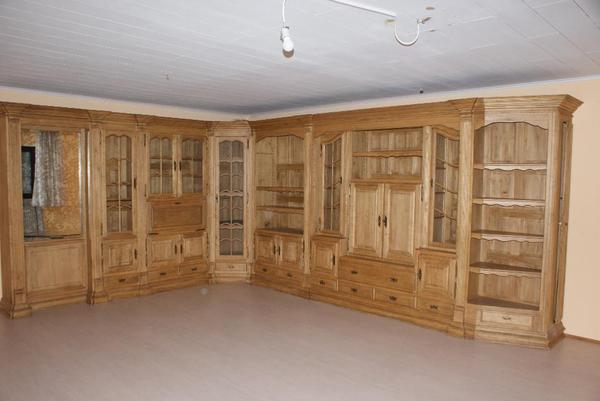 Schreiner wohnzimmerwand in eiche massiv 1a zust 3 8 x 4 for Wohnzimmerwand eiche