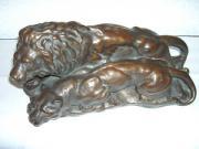 Skulptur Figur LÖWENPAAR - 40-er Jahre - repräsentativ - Aussergewöhnliche Skulptur eines Löwenpaares, Material ist Gips massiv, sehr naturgetreu modelliert, bronce lackiert, glänzend. Die Skulptur stammt ... 80,- D-71034Böblingen Gestern, Böblingen - Skulptur Figur LÖWENPAAR - 40-er Jahre - repräsentativ - Aussergewöhnliche Skulptur eines Löwenpaares, Material ist Gips massiv, sehr naturgetreu modelliert, bronce lackiert, glänzend. Die Skulptur stammt
