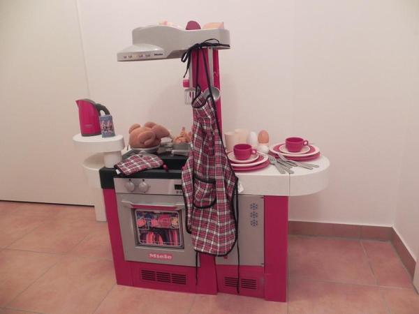 Spielküche Miele mit Zubehör in Poing Sonstiges