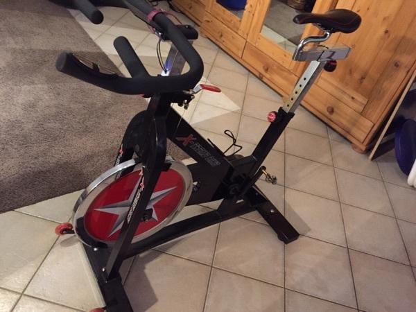 spinning bike kaufen gebraucht und g nstig. Black Bedroom Furniture Sets. Home Design Ideas