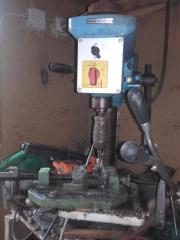 Ständer-Bohrmaschine