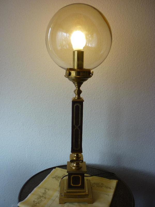 steh oder tischlampe aus massiver messing in berlin lampen kaufen und verkaufen ber private. Black Bedroom Furniture Sets. Home Design Ideas
