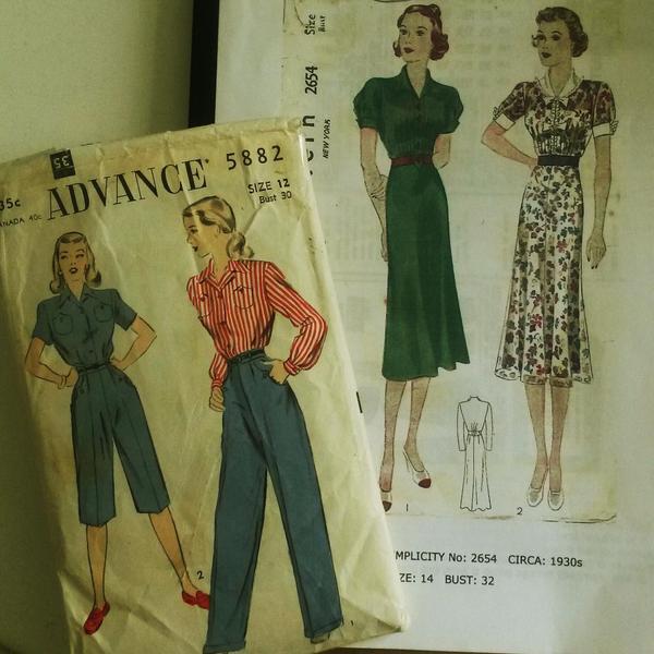suche 20er 30er 40er 50er jahre original kleidung in. Black Bedroom Furniture Sets. Home Design Ideas