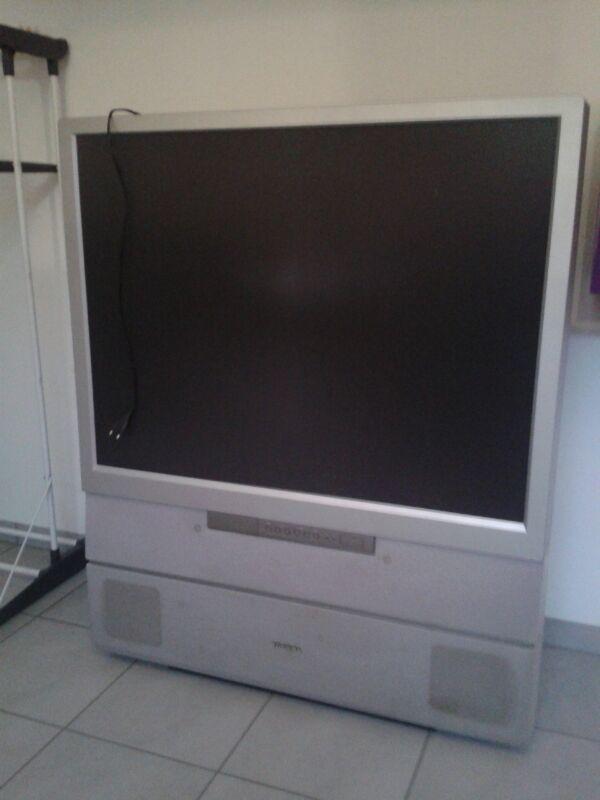 toshiba r ckprojektion fernseher tv 42 zoll in pinzberg tv projektoren kaufen und. Black Bedroom Furniture Sets. Home Design Ideas