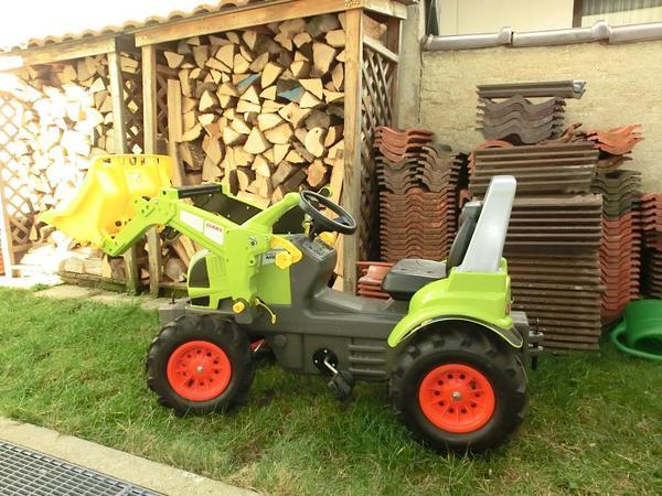 traktor zum treten 39 claas 39 mit anh nger in m nchen kinderfahrzeuge kaufen und verkaufen ber. Black Bedroom Furniture Sets. Home Design Ideas