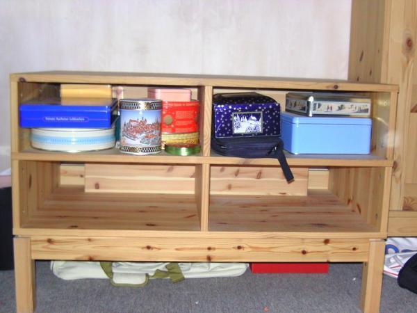tv tisch zu verschenken f r selbstabholer ohne deko bei. Black Bedroom Furniture Sets. Home Design Ideas