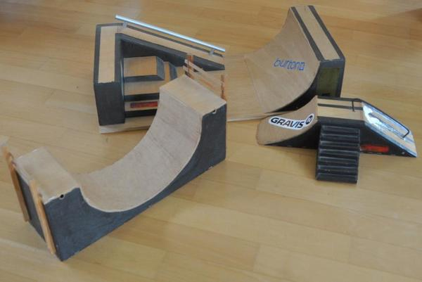 verkaufen fingerskateboard mini bmx halfpipe set in. Black Bedroom Furniture Sets. Home Design Ideas