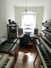 vintage analog synths,