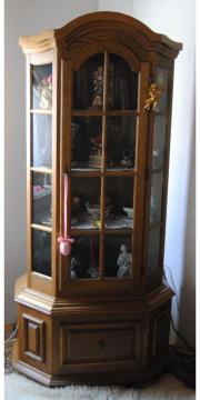 eckschrank vitrine haushalt m bel gebraucht kaufen oder kostenlos verkaufen kleinanzeigen. Black Bedroom Furniture Sets. Home Design Ideas