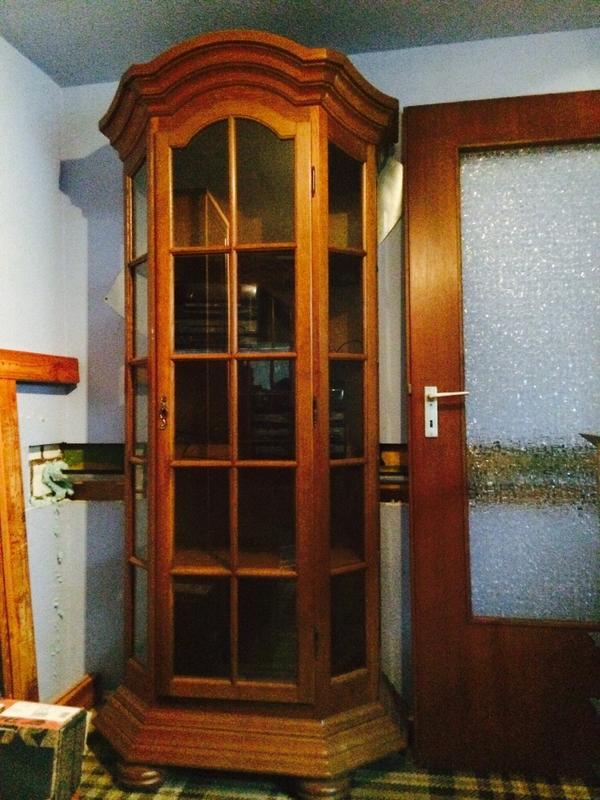 vitrine schrank eiche massiv rustikal in marxzell wohnzimmerschr nke anbauw nde kaufen und. Black Bedroom Furniture Sets. Home Design Ideas