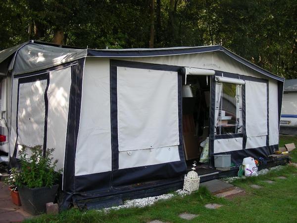 wohnwagen kann separat weggefahren werden umlaufma ca. Black Bedroom Furniture Sets. Home Design Ideas