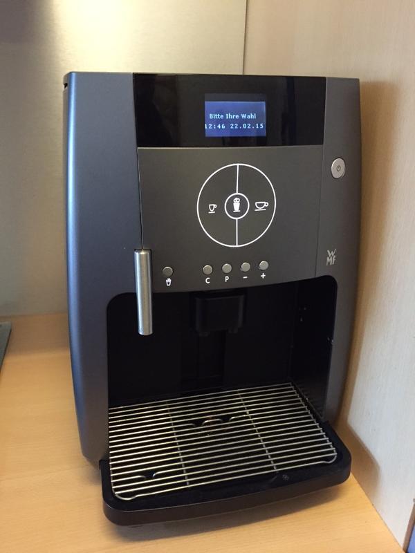 wmf kaffeevollautomat 450 touch titan in mannheim kaffee espressomaschinen kaufen und. Black Bedroom Furniture Sets. Home Design Ideas