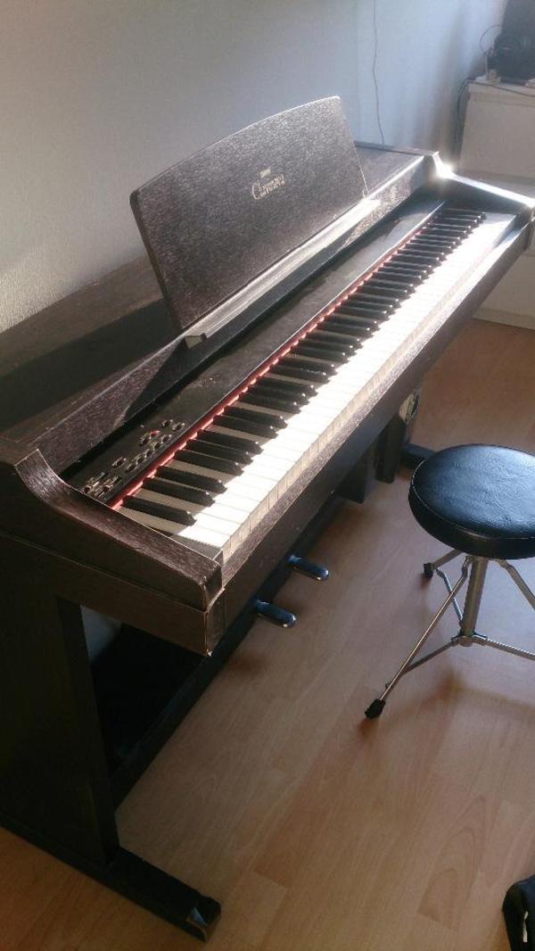 yamaha clavinova klavier clp 153s in m nchen. Black Bedroom Furniture Sets. Home Design Ideas